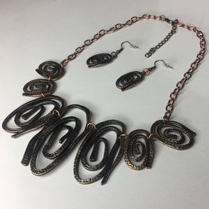 Jewelry - Abstract Necklace Set